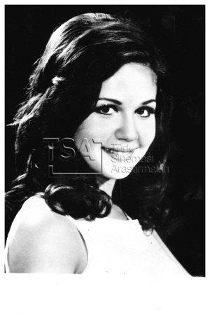 Fatma Karanfil