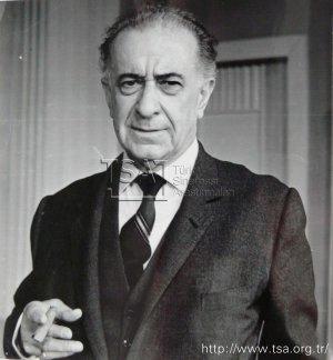 Vasfi Rıza Zobu